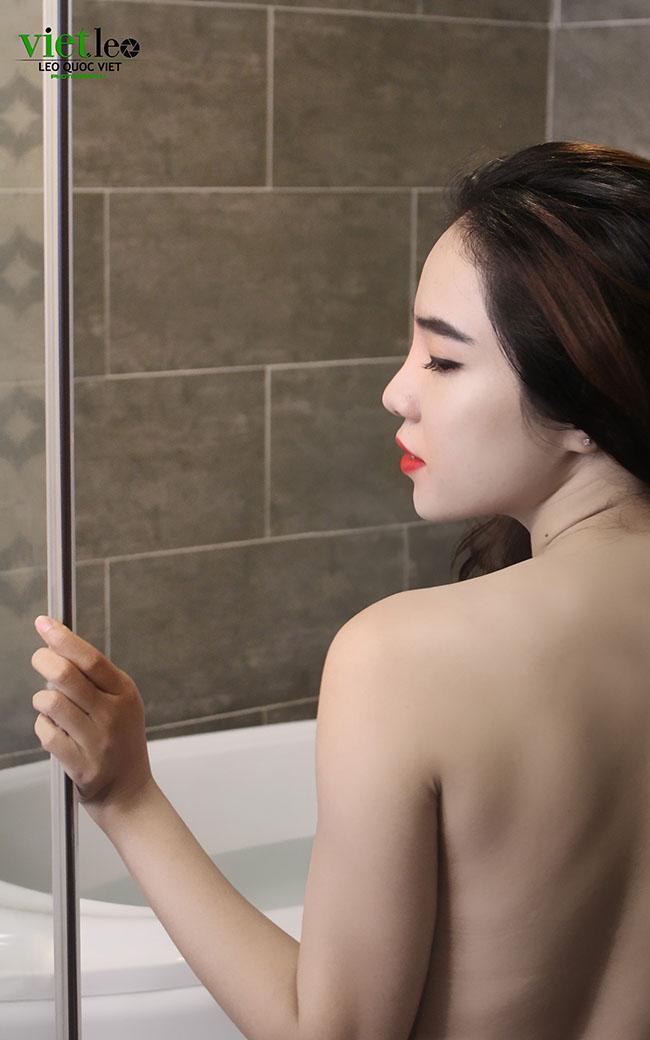 Chinh Nguyễn nóng bỏng cùng Thủy Lê