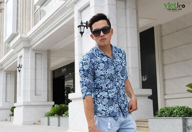 Chinh Nguyễn dạo phố đi bộ - saoshowbiz.com
