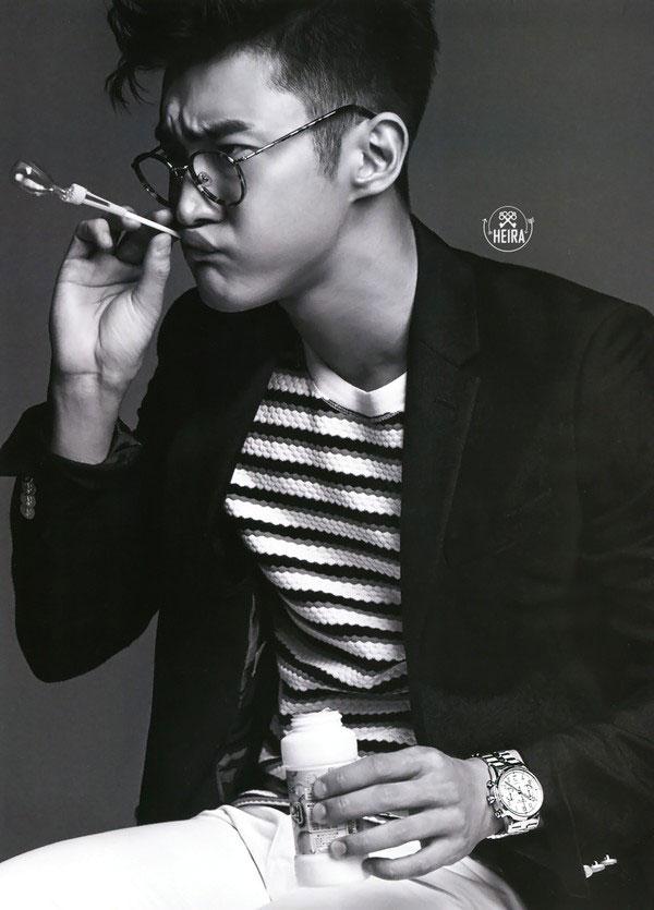Choi Si Won lại  tạp chí L'Officiel Hommes tháng 7 - 2015.