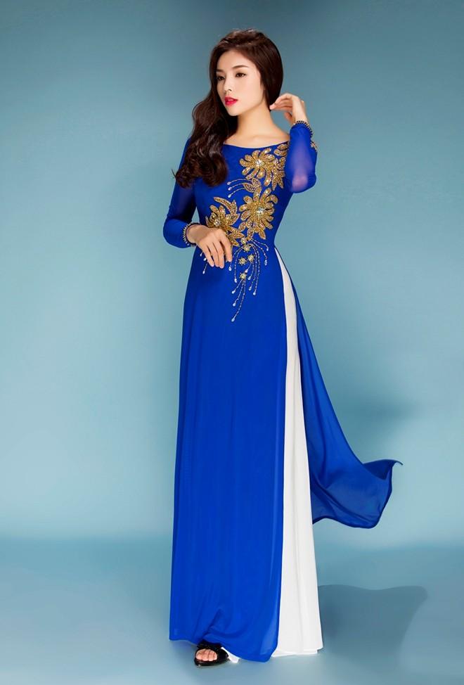 Hoa hậu Kỳ Duyên nền nã áo dài Tết