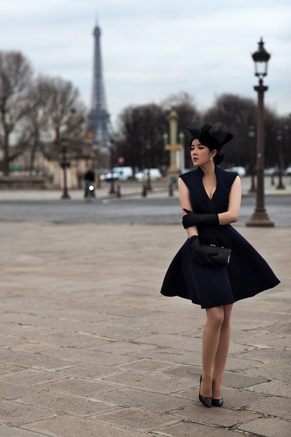 Lý Nhã Kỳ quý phái dạo Paris