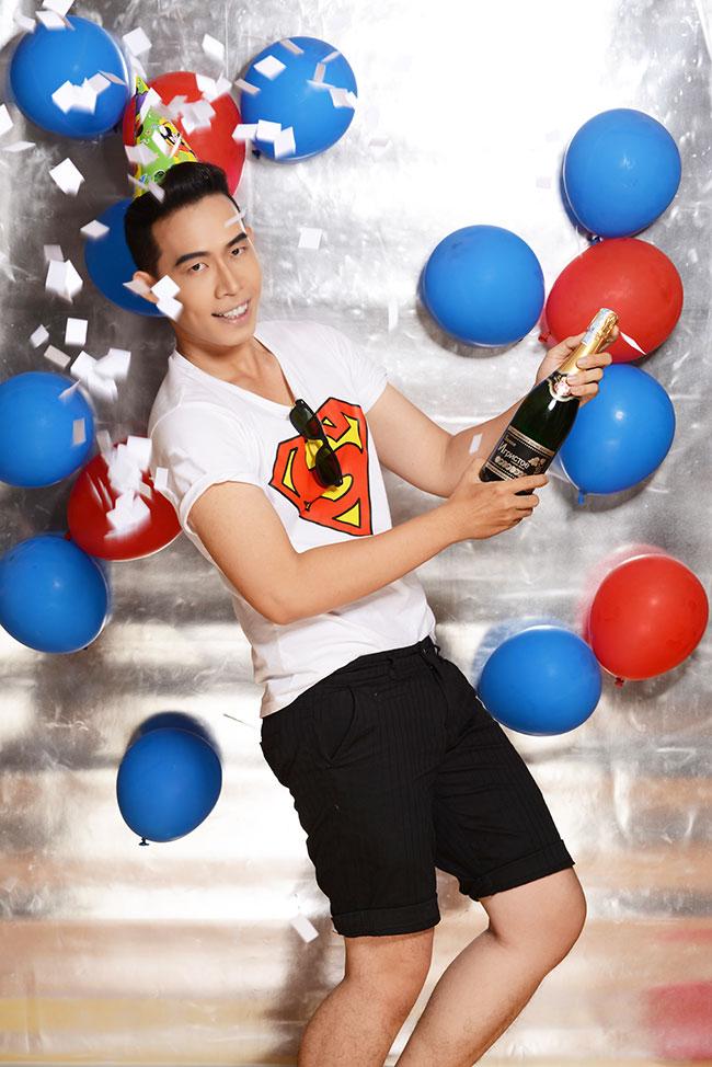 """Leo Quốc Việt Party all night, Bộ ảnh với chủ đề """"Party all night"""" với Champain, bong bóng,..."""