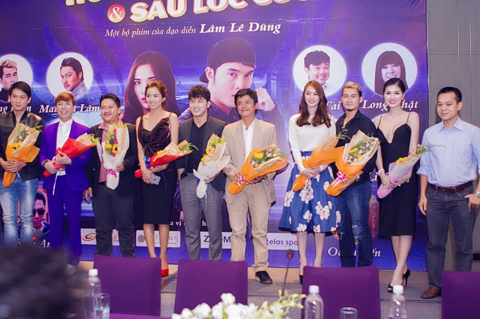Top 15 Hoa hậu Thế giới người Việt Oanh Yến dự buổi ra mắt phim