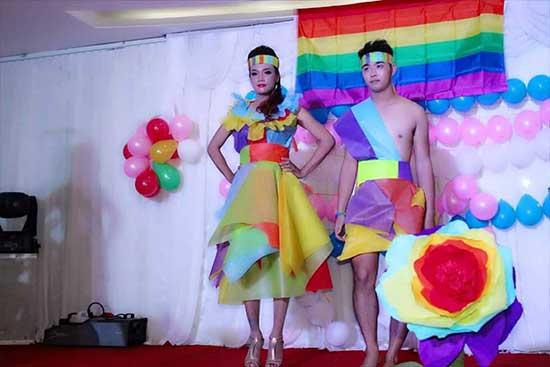 Kullboy sim sua tham dự ngày LGBT tại Huê