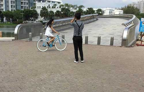 Bắt gặp Sim Sữa hẹn hò với bản sao Nhật Kim Anh
