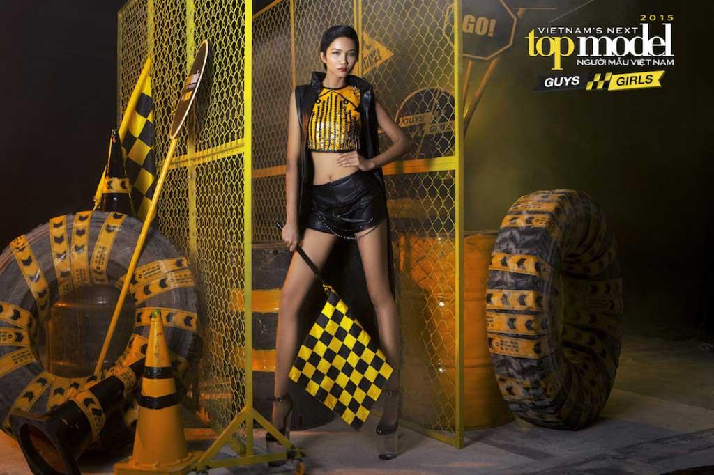 H'Hen Niê - Vietnam's Next Top Model 2015  - Keep Moving – Không ngừng chuyển động