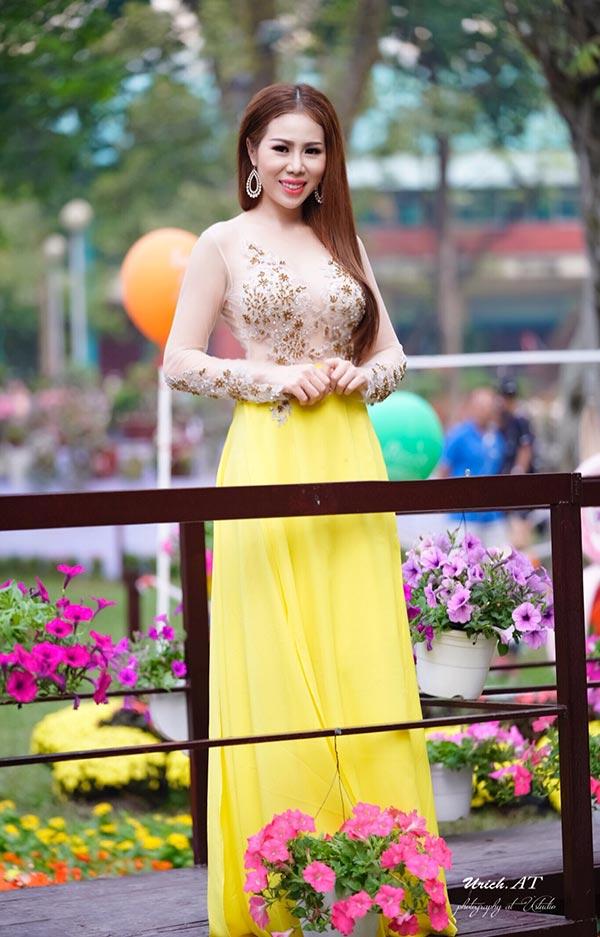Hoa hậu công sở Ánh Ngọc