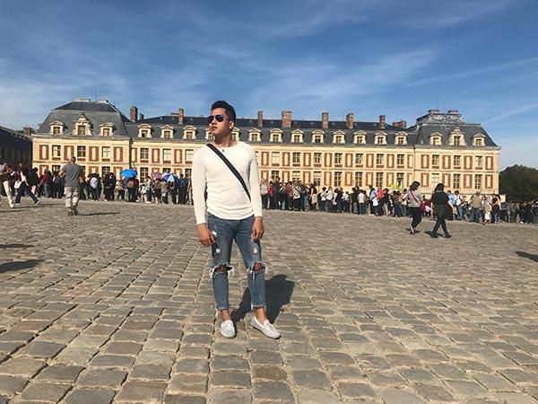 Hot boy du lịch Chinh Nguyễn hứng khởi dạo trời  u