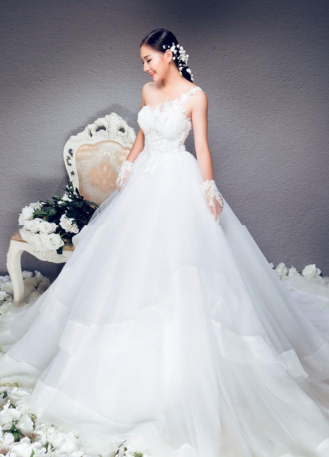 Vợ Duy Nhân tươi tắn chụp ảnh cưới