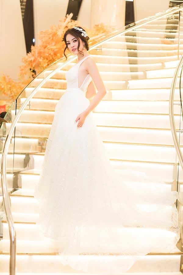 My Lê diện váy nghìn đô dự sự kiện gây thương nhớ