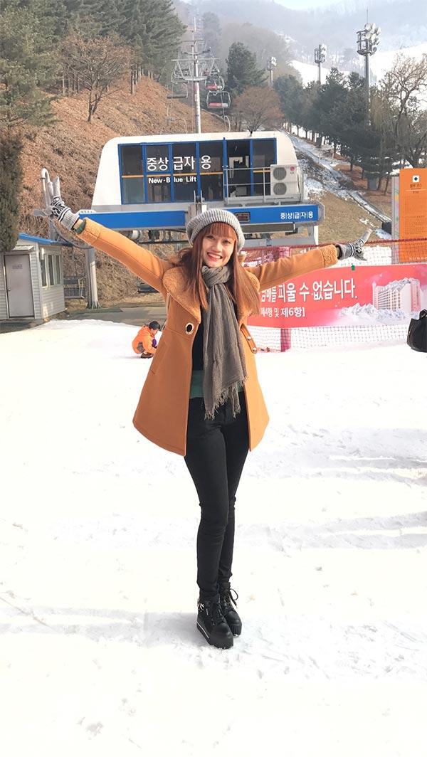Hotgirl Nhật Thảo diện style mùa đông du lịch Hàn Quốc