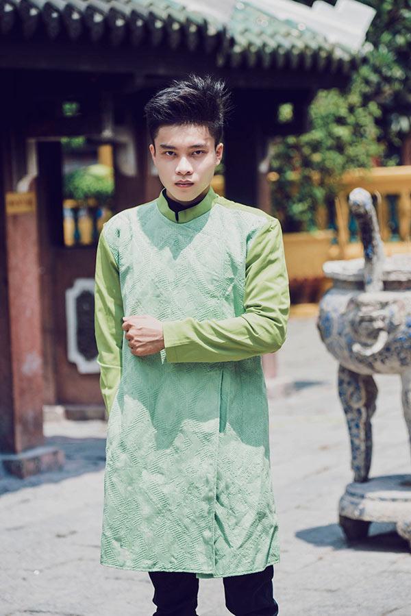 Thịnh Quang Huân truyền thống cùng áo dài Việt