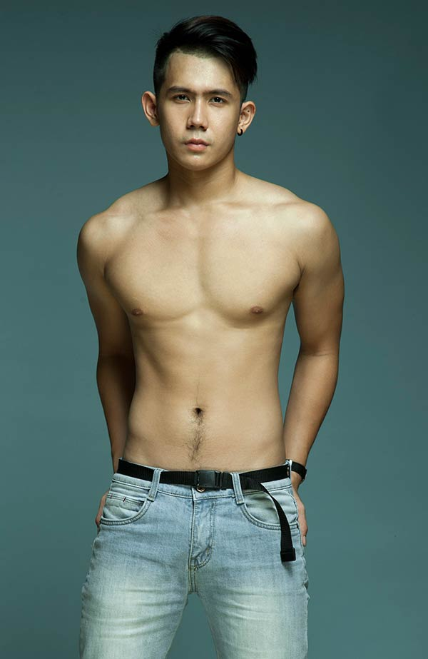 Xuân Hùng - chàng vận động viên bơi lội điển trai