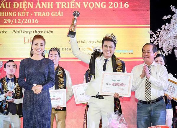 Cao Thiên Phước bất ngờ đăng quang Á Vương Điện Ảnh 2016