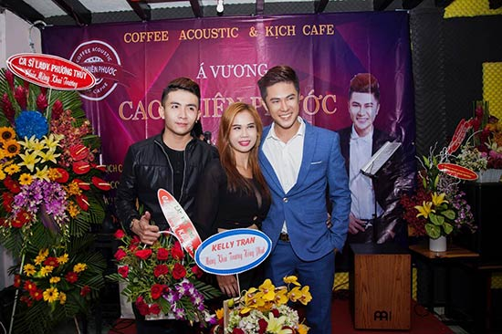 Á Vương Cao Thiên Phước ông chủ nhỏ quán coffee Acoustic & Kịch Caphe