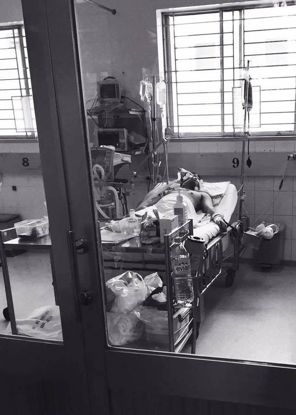 Sau gần 1 tuần chống chọi với cơn bạo bệnh bất chợt, đến trưa ngày hôm nay, MC Quang Minh đã trút hơi thở cuối cùng tại nhà riêng.