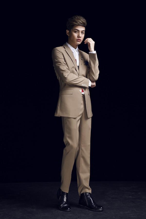 Noo Phước Thịnh lịch lãm diện vest - saoshowbiz.com - sao showbiz