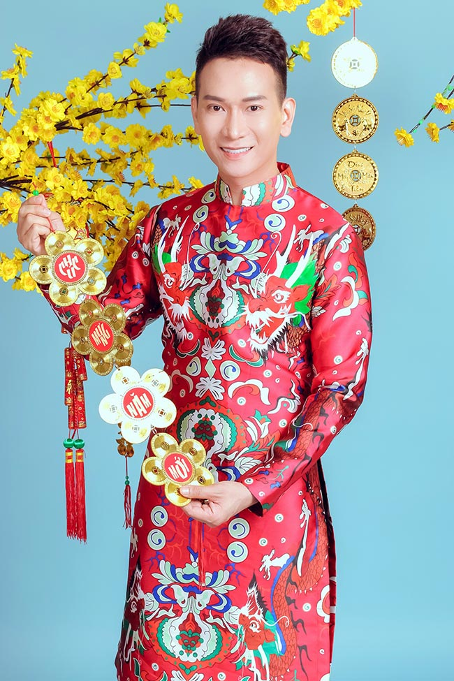 Ca sỹ Thái Thanh Hiệp tươi trẻ sắc xuân
