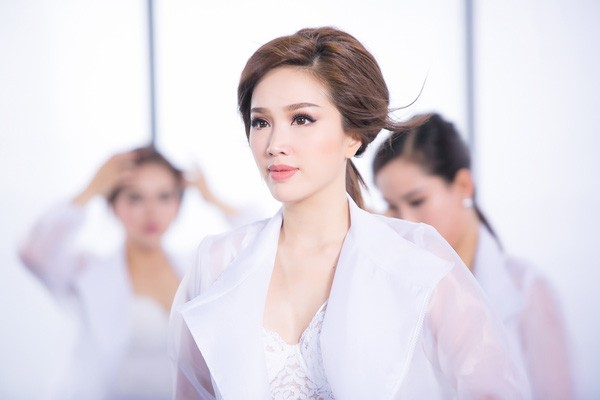 Bảo Thy sexy trong MV Im Sorry Babe