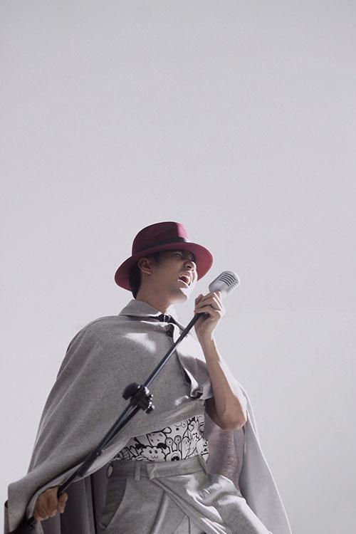 """Nguyễn Phi Hùng đang ráo riết thực hiện và ra mắt MV """"Dancing in the sky"""", chú trọng khai thác những điệu nhảy dance -vừa hát vừa nhảy"""